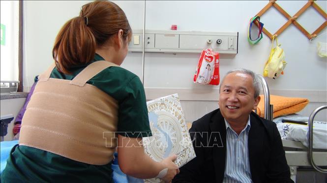 Đại sứ Việt Nam tại Hàn Quốc thăm hỏi cô dâu Việt bị chồng bạo hành Ảnh 1