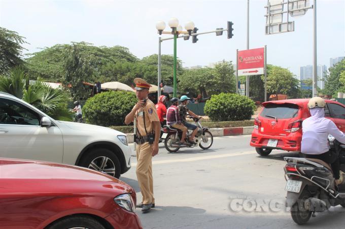 CSGT Hà Nội: Xử lý hơn 3.000 trường hợp vi phạm sau 3 ngày ra quân Ảnh 1