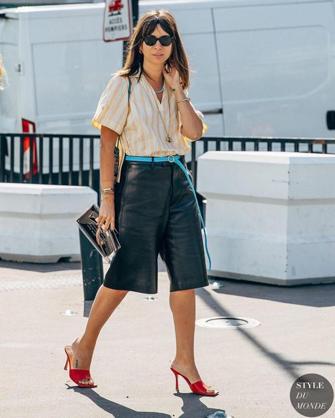 Giày mũi vuông trở lại, 'thống lĩnh' xu hướng thời trang đường phố Ảnh 6