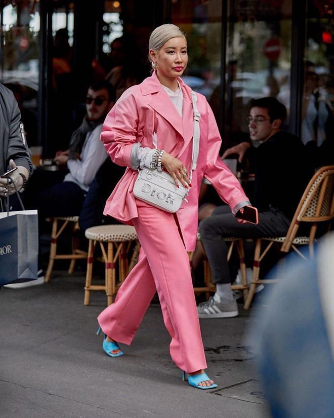 Giày mũi vuông trở lại, 'thống lĩnh' xu hướng thời trang đường phố Ảnh 5