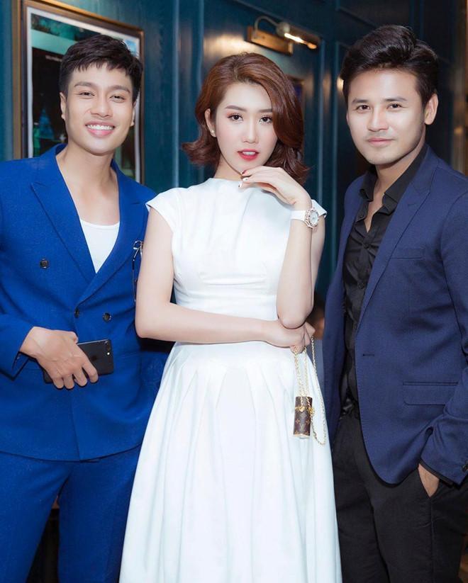 Angela Phương Trinh đẹp sắc sảo, Phạm Quỳnh Anh ngọt ngào tuần qua Ảnh 5