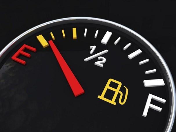 Những thói quen xấu tàn phá ô tô các tài xế hay mắc phải Ảnh 2