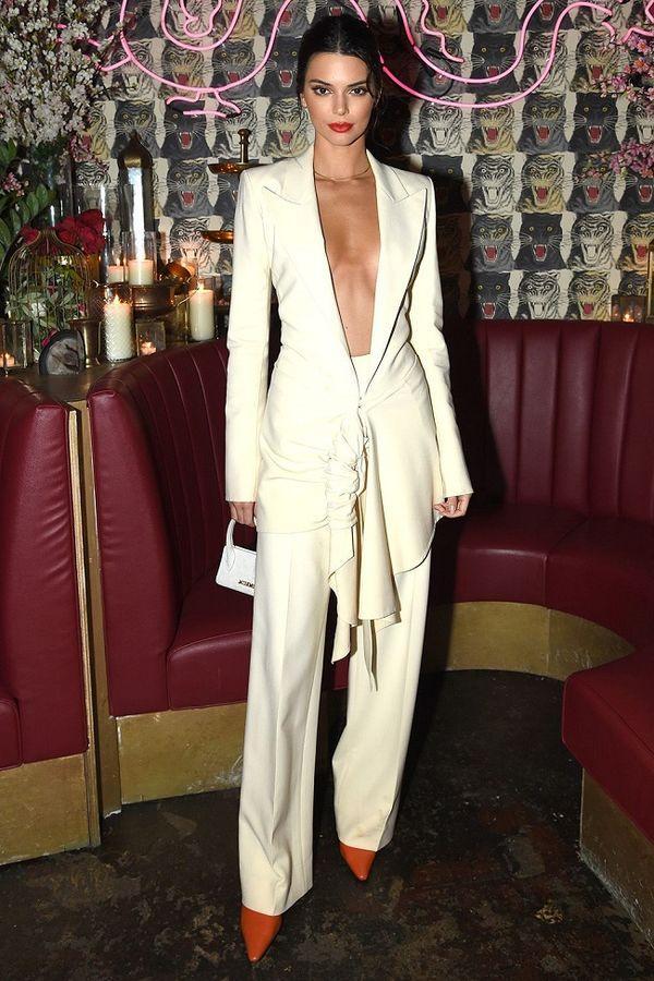 Muôn vàn kiểu diện vest không nội y càn quét Hollywood đến sao Việt như Mai Phương Thúy, Ngọc Trinh Ảnh 5