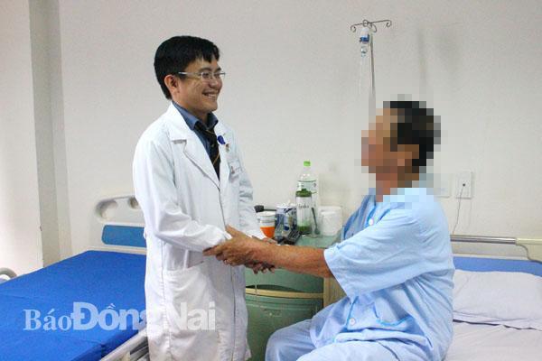Chữa khỏi hội chứng chùm đuôi ngựa cho bệnh nhân lớn tuổi Ảnh 1