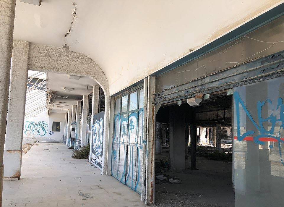 Loạt máy bay khổng lồ gỉ sét trong phi trường bỏ hoang ở Hy Lạp Ảnh 11
