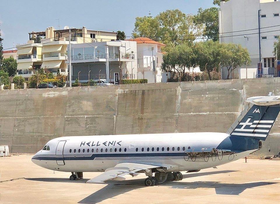 Loạt máy bay khổng lồ gỉ sét trong phi trường bỏ hoang ở Hy Lạp Ảnh 2