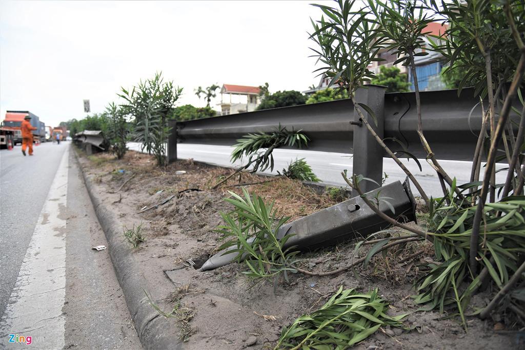 Dân Hải Dương vẫn liều mình băng qua đoạn đường vừa xảy ra tai nạn Ảnh 4