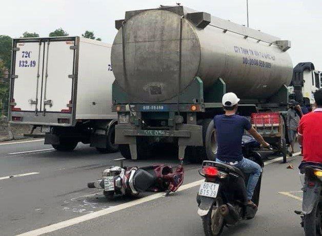 Tai nạn liên hoàn ở Đồng Nai, người đàn ông tử vong thương tâm Ảnh 1