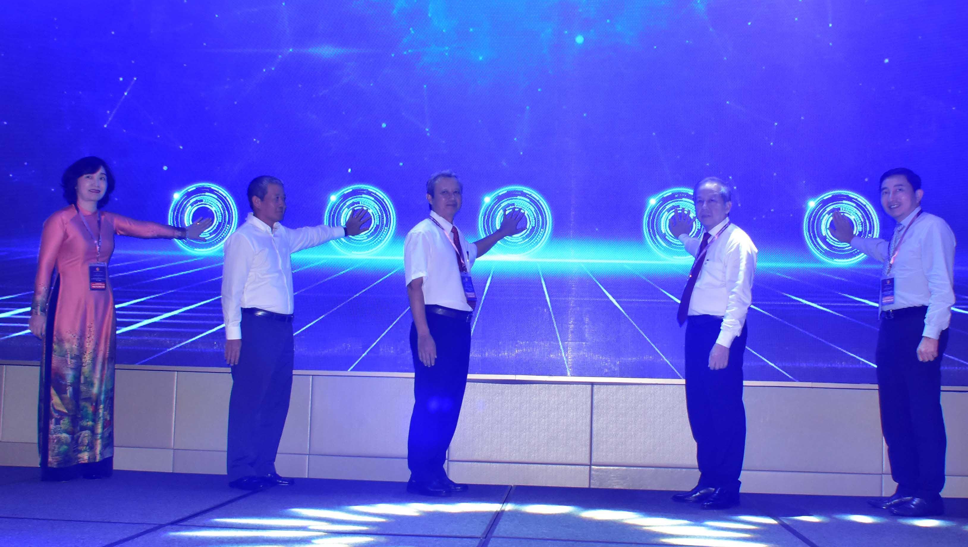 Công bố dịch vụ Trung tâm Giám sát điều hành Đô thị thông minh tỉnh Thừa Thiên - Huế Ảnh 1