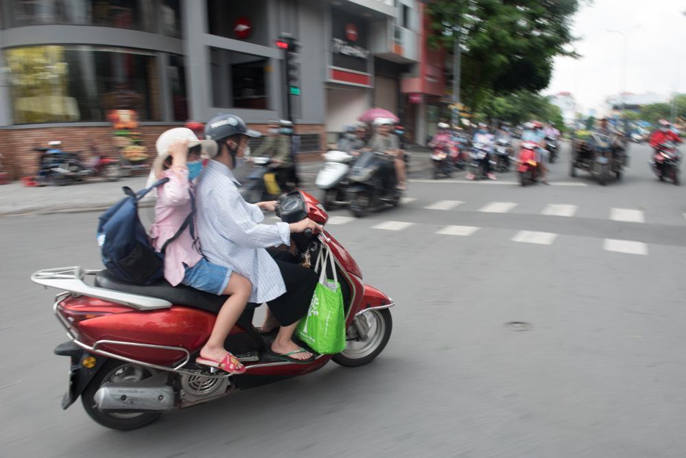 Người mẹ Quảng Nam cạo đầu để cùng con chiến đấu với ung thư Ảnh 6