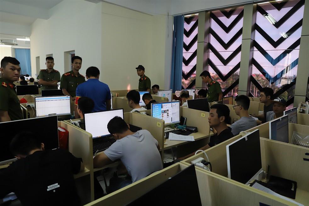 Người phát ngôn Bộ Công an nói phải tạo 'yếu tố bất ngờ' trong quá trình phá án vụ 400 người Trung Quốc đánh bạc trực tuyến Ảnh 1