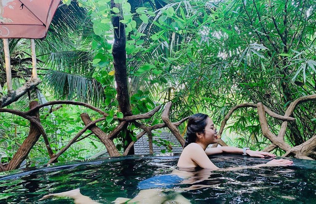 'Tắm tiên' thả ga tại suối khoáng nóng đẹp quên lối về ở Đà Nẵng Ảnh 11