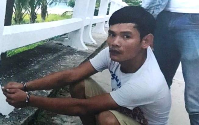 Mẹ ngồi sau xe con trai bị tên cướp giật ví ở Đà Nẵng Ảnh 1