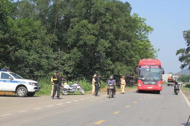 Hòa Bình: Tình hình trật tự an toàn giao thông có nhiều chuyển biến tích cực Ảnh 1