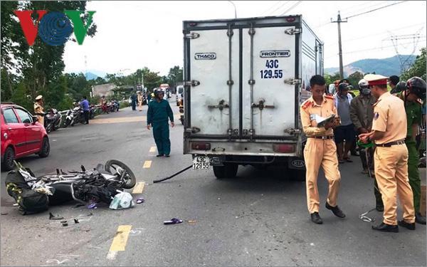 Ô tô tải va chạm với xe máy, 1 phụ nữ tử vong tại chỗ Ảnh 1