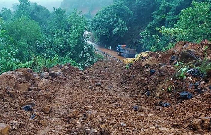 Lâm Đồng: Sạt lở nghiêm trọng, đèo Con Ó tê liệt 6 ngày vẫn chưa thông Ảnh 1