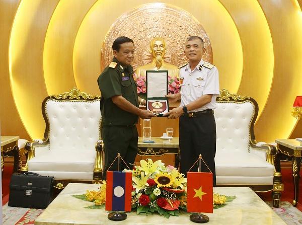 Bộ Tư lệnh Hải quân tiếp đoàn Cục Bảo vệ nội bộ Quân đội Lào Ảnh 1