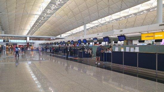 Sân bay quốc tế Hong Kong có gì đặc biệt? Ảnh 4