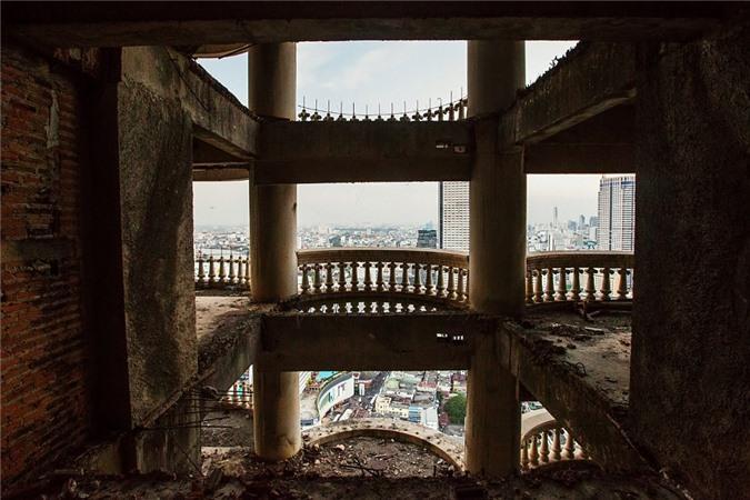 Lạnh gáy với 'Tòa tháp ma' chọc trời giữa lòng Bangkok Ảnh 10