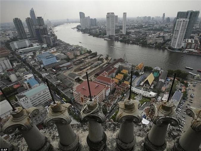 Lạnh gáy với 'Tòa tháp ma' chọc trời giữa lòng Bangkok Ảnh 5