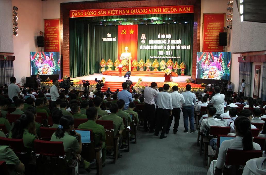 Kỷ niệm 30 năm ngày tái lập: Thừa Thiên - Huế đón Huân chương Độc Lập Hạng Nhất Ảnh 2