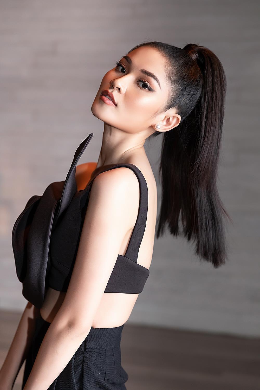 Á hậu Thùy Dung 'lột xác' với phong cách táo bạo, khoe lưng trần quyến rũ Ảnh 3
