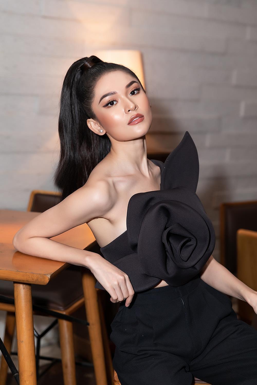 Á hậu Thùy Dung 'lột xác' với phong cách táo bạo, khoe lưng trần quyến rũ Ảnh 4
