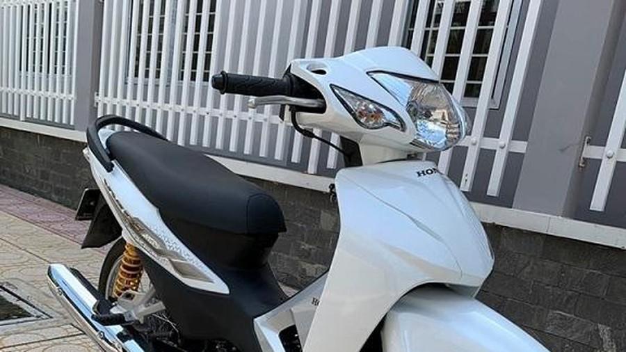 Cận cảnh xe máy Honda Wave cũ rao bán 145 triệu đồng Ảnh 7