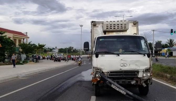 Xe tải tông taxi bẹp dúm, 1 du khách tử vong ở Quảng Nam Ảnh 2