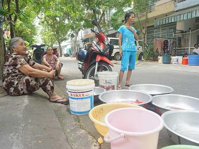 Thủy điện xả nước, Đà Nẵng vẫn 'khát' Ảnh 1