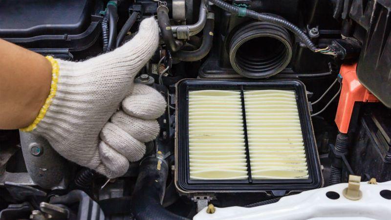 Lọc gió ô tô bị bẩn khiến động cơ bị yếu, làm thế nào để vệ sinh đúng cách? Ảnh 5