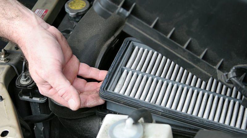Lọc gió ô tô bị bẩn khiến động cơ bị yếu, làm thế nào để vệ sinh đúng cách? Ảnh 3