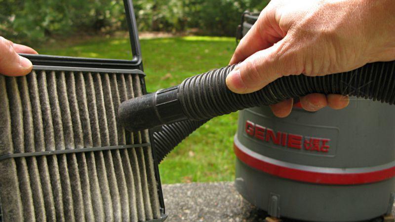 Lọc gió ô tô bị bẩn khiến động cơ bị yếu, làm thế nào để vệ sinh đúng cách? Ảnh 4