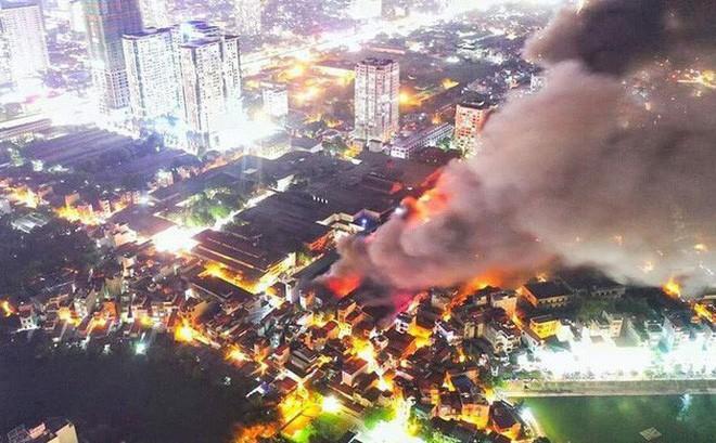 Vụ cháy Công ty Rạng Đông: Hà Nội mời chuyên gia nước ngoài vào cuộc Ảnh 1