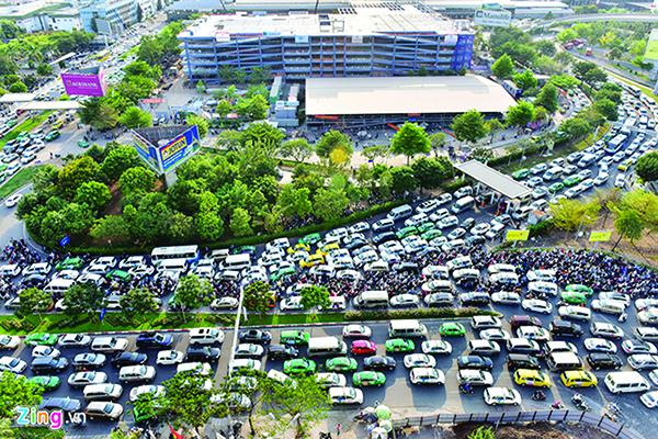 Hiến kế giảm kẹt xe sân bay Tân Sơn Nhất Ảnh 1