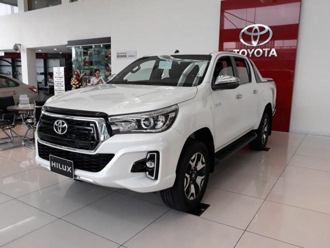 Giá xe Toyota Hilux mới nhất tháng 9: Thêm phiên bản mới Hilux 2.4E máy dầu 4x2 MT Ảnh 2