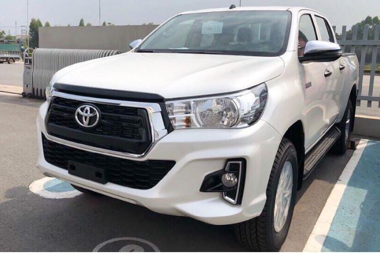 Toyota Hilux giảm giá 30 triệu, thêm phiên bản 1 cầu Ảnh 3