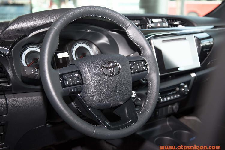 Toyota Hilux giảm giá 30 triệu, thêm phiên bản 1 cầu Ảnh 5