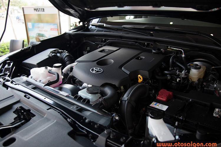 Toyota Hilux giảm giá 30 triệu, thêm phiên bản 1 cầu Ảnh 6