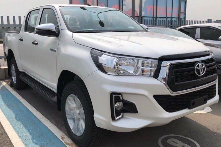 Toyota Hilux giảm giá 30 triệu, thêm phiên bản 1 cầu Ảnh 4