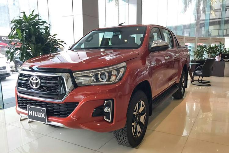 Toyota Hilux giảm giá 30 triệu, thêm phiên bản 1 cầu Ảnh 8