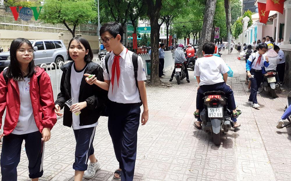 Không để các trường học ở TPHCM là điểm gây ùn tắc, mất ATGT Ảnh 2