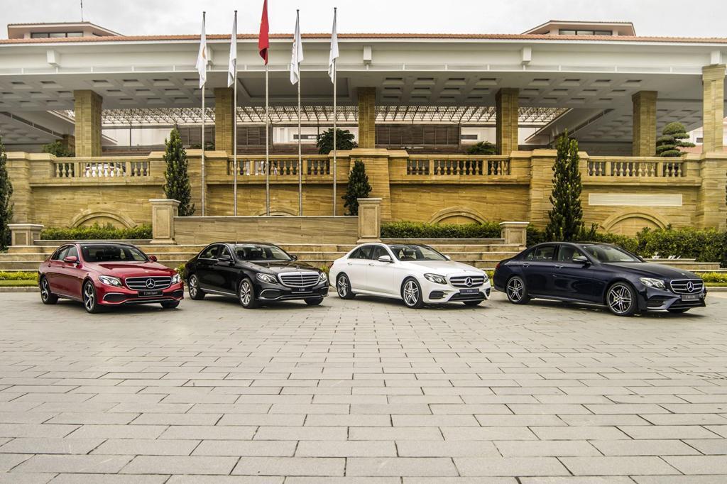 Mercedes-Benz E 300 AMG trở lại Việt Nam, giá hơn 2,8 tỷ Ảnh 8