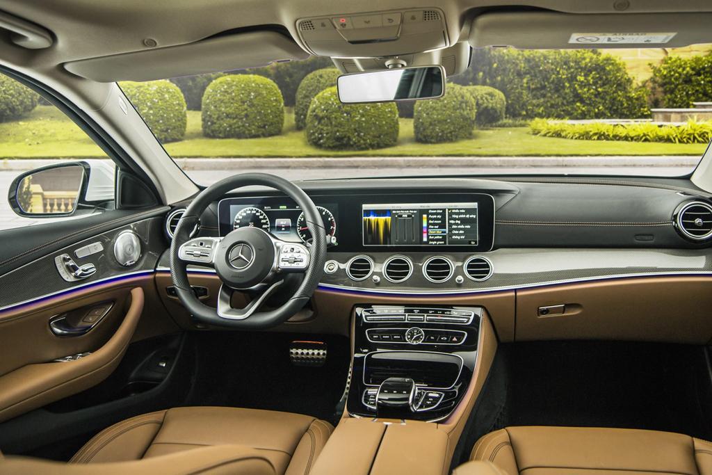 Mercedes-Benz E 300 AMG trở lại Việt Nam, giá hơn 2,8 tỷ Ảnh 5