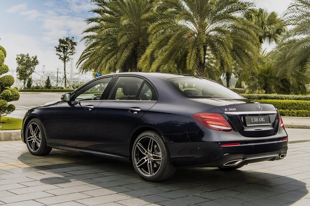 Mercedes-Benz E 300 AMG trở lại Việt Nam, giá hơn 2,8 tỷ Ảnh 6