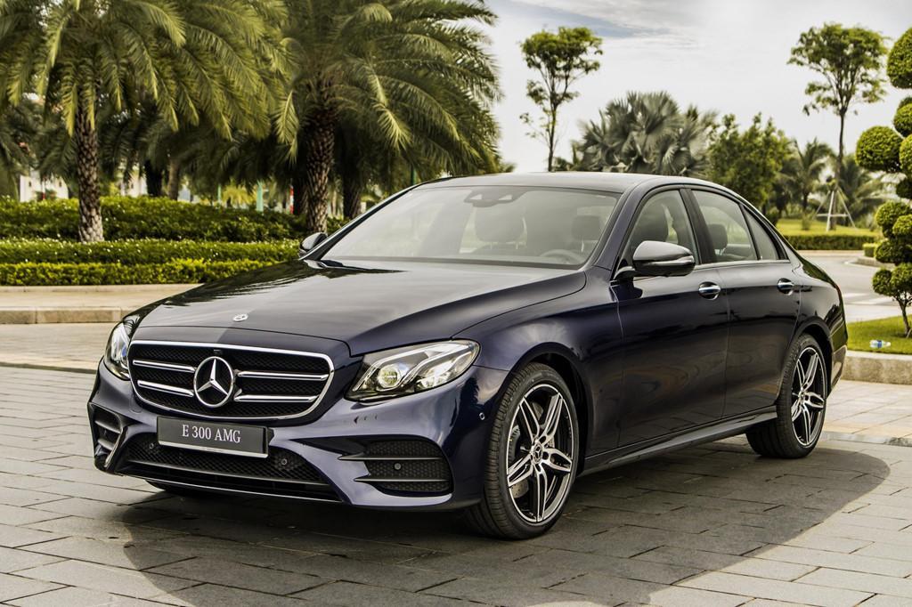 Mercedes-Benz E 300 AMG trở lại Việt Nam, giá hơn 2,8 tỷ Ảnh 2