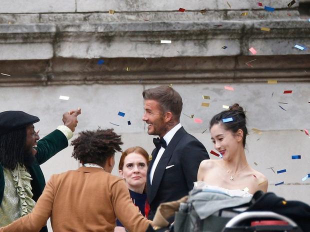 David Beckham bất ngờ trở thành 'chú rể' của Angela Baby Ảnh 1