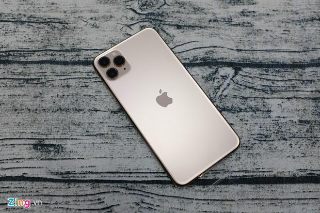 iPhone 11 Pro Max thương mại đầu tiên tại VN Ảnh 1