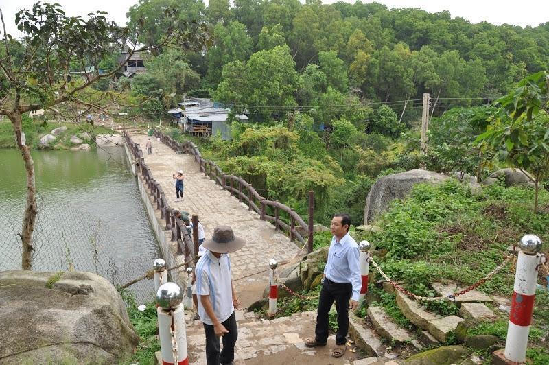 Ngôi chùa có tượng Phật Di Lặc lớn nhất trên đỉnh núi ở châu Á. Ảnh 3