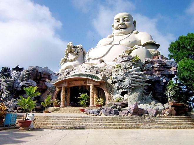 Ngôi chùa có tượng Phật Di Lặc lớn nhất trên đỉnh núi ở châu Á. Ảnh 4